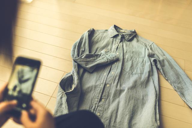 フリマアプリで服を高く売るコツ